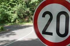 Standardni saobraćajni znakovi 02