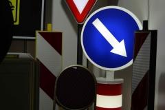 Saobraćajni znakovi sa unutrašnjim osvetljenjem 14