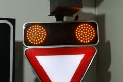 Saobraćajni znakovi sa unutrašnjim osvetljenjem 15