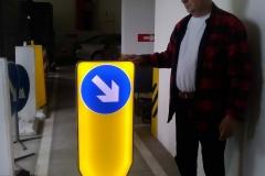 Saobraćajni znakovi sa unutrašnjim osvetljenjem 61