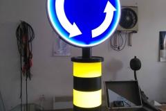 Saobraćajni znakovi sa unutrašnjim osvetljenjem 47