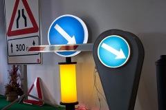 Saobraćajni znakovi sa unutrašnjim osvetljenjem 04
