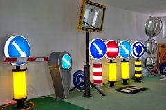 Saobraćajni znakovi sa unutrašnjim osvetljenjem 05